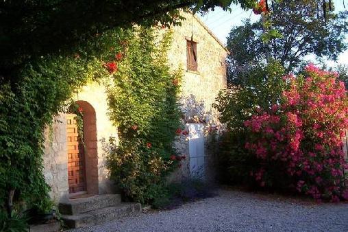 Chambre d'hote Bouches du Rhône - Le Mas des Fontêtes, Chambres d`Hôtes Le Puy Ste Reparade (13)