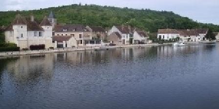 La Petite Auberge La Petite Auberge, Chambres d`Hôtes Vaux (89)