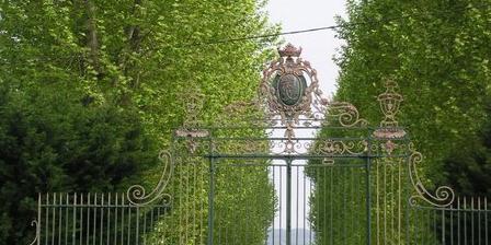 Château de Lacaze Chambres d'hotes de charme, Chambres d`Hôtes Aiguillon (47)