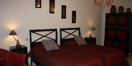 Les Fuyes  Chambre ASIATIQUE (deux lits séparés)