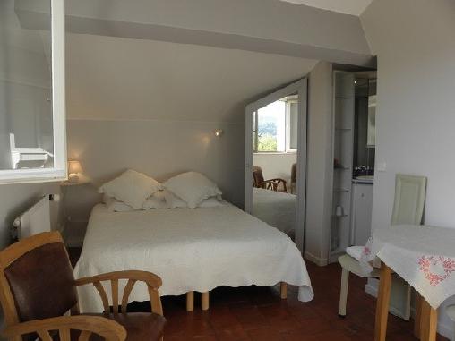 Bastide lou pantail une chambre d 39 hotes dans les alpes - Chambre notaire alpes maritimes ...