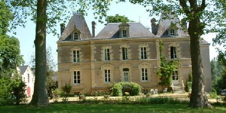 Chateau du Beugnon Chateau du Beugnon, Chambres d`Hôtes La Fosse De Tigne (49)