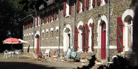Château de la Jousselinière Château de la Jousselinière, Chambres d`Hôtes Le Pin En Mauges (49)