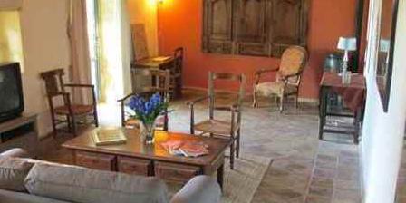 La Maison du Bonheur La Maison du Bonheur, Gîtes Uzès (la Capelle-masmolène) (30)