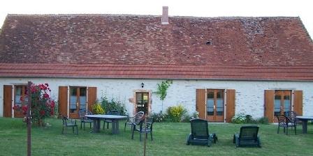 Domaine du Petit Lage Domaine du Petit Lage, Chambres d`Hôtes Saint Desire (03)
