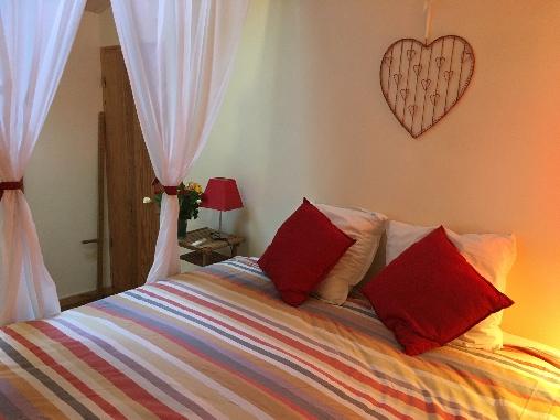 la Chambre Le Mauzac, grand lit de 2x1,80m