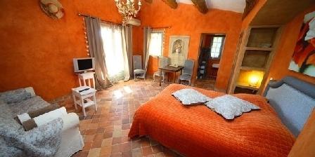 La Bastide du Moulin La Bastide du Moulin, Chambres d`Hôtes La Cadiere D'Azur (83)
