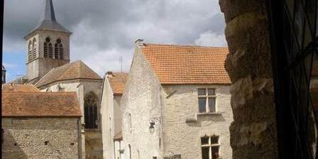 La Maison du Tisserand de l'Abbaye de Flavigny ALGRANATE - La Maison du Tisserand de l'Abbaye de Flavigny, Chambres d`Hôtes Flavigny-sur-Ozerain (21)