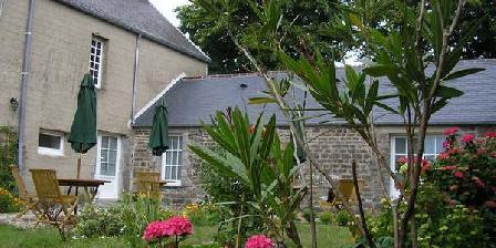 Le Lys Rouge Le Lys Rouge, Chambres d`Hôtes Surtainville (50)