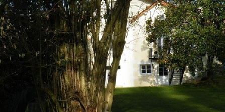 La Villa Camille  La Villa Camille - Niort Est, Chambres d`Hôtes La Crèche (79)