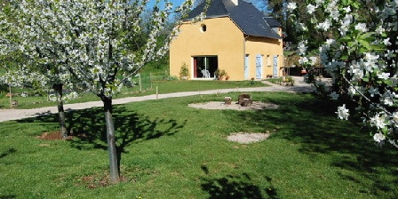 Chambres d'Hôtes Yellow Home Chambres D'Hôtes Yellow Home 12, Chambres d`Hôtes Salles La Source (12)