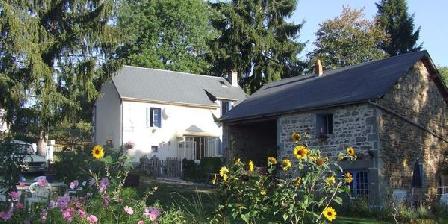 Gîte Les Fayes Gîte Les Fayes, Chambres d`Hôtes Gouttières (63)