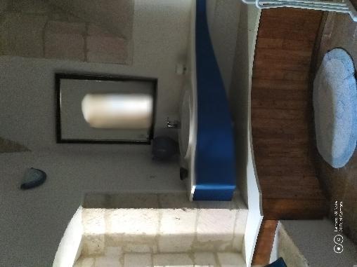 Chateau de Noailles, salle de bain