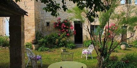Chambre d'hôtes au Château de Noailles Chateau de Noailles, Chambres d`Hôtes Noailles (81)