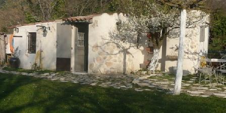 La Belle Brocanteuse La Belle Brocanteuse, Chambres d`Hôtes Le Puy Sainte Réparade (13)