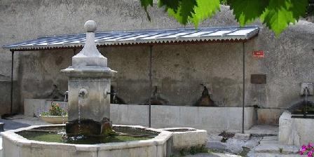 La Fontaine La Fontaine, Chambres d`Hôtes Puimoisson (04)
