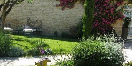 La Maison de Léonie  La Maison de Léonie (spa), Chambres d`Hôtes Collias (30)
