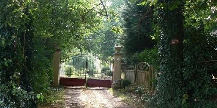 Le Petit Bois Le Petit Bois, Chambres d`Hôtes Dollon (72)