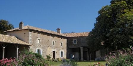Domaine de Lapiteau Domaine de Lapiteau, Chambres d`Hôtes Brux (86)