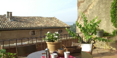 La Maison D'à Côté La Maison D'à Côté, Gîtes Roussillon (84)