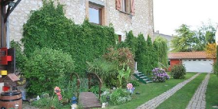 Chez Chauvet Magali et Jean-Paul Chambres D'Hotes Chauvet Magali & Jean-Paul, Chambres d`Hôtes Rilly La Montagne (51)