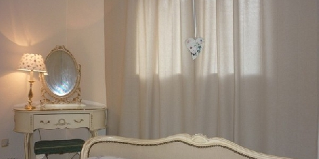 Les Pucellieres Les Pucellieres, Chambres d`Hôtes Bouchamps Les Craon (53)