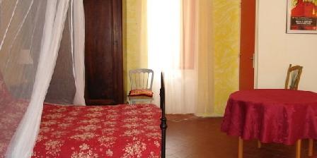 Les Lauriers Rouges Les Lauriers Rouges, Chambres d`Hôtes Arles (13)