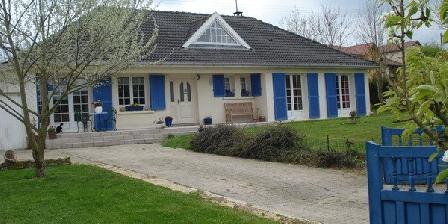 Les Bleuets Les Bleuets, Chambres d`Hôtes Forges-sur-Meuse (55)