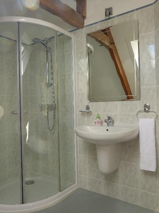 Chambre d'hote Côtes-d'Armor - Chambre Sulon, salle de douche & wc prive