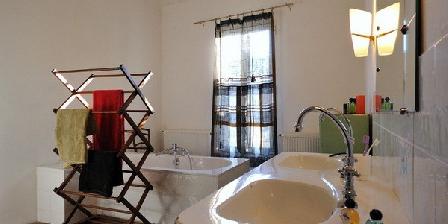La Maison de Pierre  La Maison de Pierre GAY LESBIEN  B&B Gard, Chambres d`Hôtes Vergéze (30)