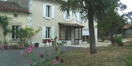 La Menuiserie La Menuiserie, Chambres d`Hôtes Saint Simeux (16)