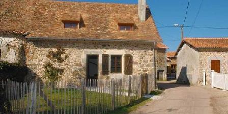 Les Gîtes de Tartou Les Gîtes de Tartou, Chambres d`Hôtes Bussière Badil (24)