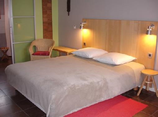 Biscotte B&B, Chambres d`Hôtes Décines Charpieu - Lyon Est (69)