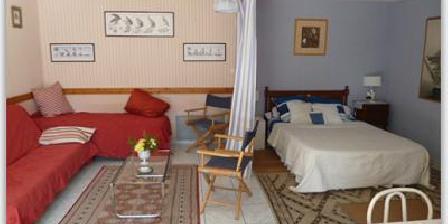 Chambres D'Hôtes La Haie Chambres D'Hôtes La Haie, Chambres d`Hôtes Roëze Sur Sarthe (72)