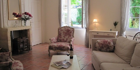 Vine House  Vine House (Maison de Vigne), Chambres d`Hôtes Teuillac (33)
