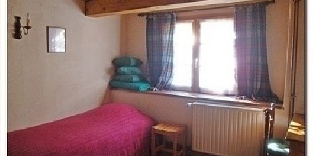 Ferme Lossow  Ferme Lossow - Chambres d'Hôtes en Alsace ( 2 - 5 pers. ), Chambres d`Hôtes Aubure (68)