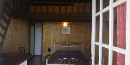 Guide gratuit auberge du guigare gard chambre d 39 hotes for Guide chambre hote
