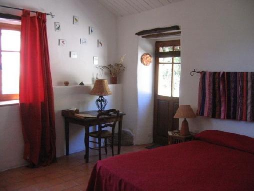 La Saisonneraie, Chambres d`Hôtes Saint Georges De Luzençon (12)