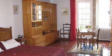 Cerise  Cerise Chambre Chez L'Hôte Près de Vezelay, Chambres d`Hôtes Pierre Perthuis (89)