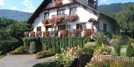 La Maison Fleurie La Maison Fleurie, Chambres d`Hôtes Dieffenbach Au Val (67)