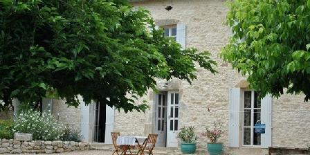 Les Foucauds Les Foucauds, Chambres d`Hôtes St.Quentin-de-Caplong (33)