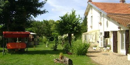 Le Pre Vert Le Pre Vert, Chambres d`Hôtes Les Trois Moutiers (86)
