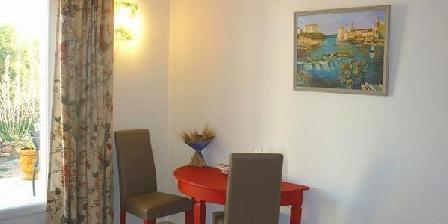 Chez Arielle Chambres D'hôtes Chez Arielle, Chambres d`Hôtes Port De Bouc (13)