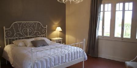 en petite camargue une chambre d 39 hotes dans le gard dans le languedoc roussillon accueil. Black Bedroom Furniture Sets. Home Design Ideas