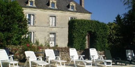 Ferienunterkunft Le Petit Manoir > Le Petit Manoir, Chambres d`Hôtes Boussais (79)