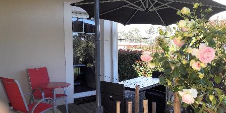 La Villa du Pitey Terrasse chambre Pïns et Oliviers