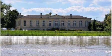 Château de Montigny-Rabey Château de Montigny-Rabey, Chambres d`Hôtes Isle Saint Georges (33)
