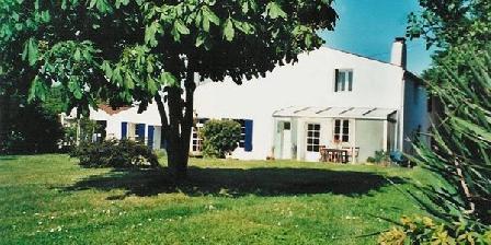 Cynlyns Cynlyns Le Ruisseau dans Le Marais, Chambres d`Hôtes St Savinien (17)