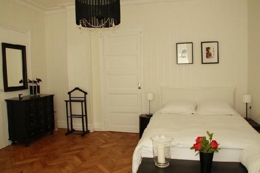 chambres d 39 hotes isere la villa bleue. Black Bedroom Furniture Sets. Home Design Ideas