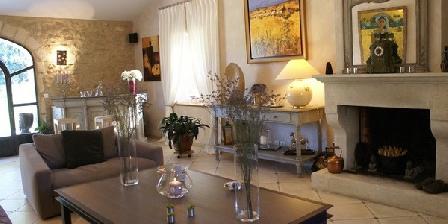 Mas de Chantounette Mas de Chantounette, Chambres d`Hôtes Cheval Blanc (84)